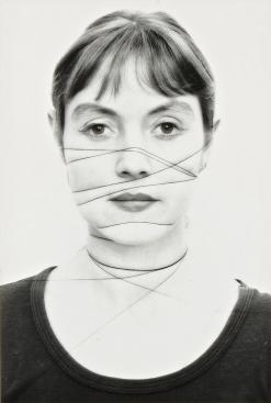 Annegret Soltau Selbst, 1975 S/W-Photographie auf Barytpapier © Annegret Soltau / VG Bild-Kunst, Bonn 2015 / SAMMLUNG VERBUND, Wien Photo: Heide Kratz